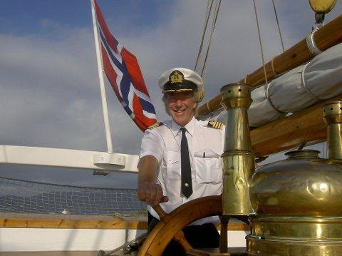 """Audun Hausberg, tidlegare skipper og eigar på Loyal: """"Som med alt og alle ein er glad i så vil ein det beste; tryggleik, kjærleik og eit god liv. Slik var det med Loyal også."""""""