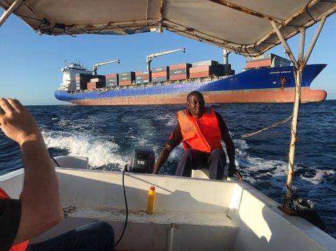 "Polarny-sjef Gustav Johan Nydal var i november på synfaring på ""Hermes Arrow"" som går i rute som cotainerskip langs den afrikanske kysten."