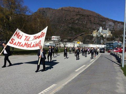 1. mai. Svelgen- Svelgen Kjemiske Industriarbedierforening arrangerte tog for første gang på 10 år i 2017. Då var det trugsmål om mogleg tvang i kommunereforma.