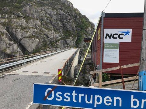 Arbeid for å rette opp Osstrupen bru.