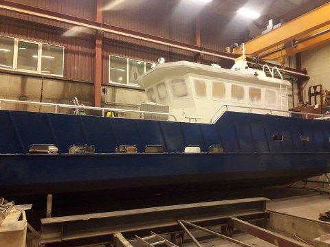 Ytterøyane: Det blei namnet på Florø hamn sin nye arbeidsbåt.