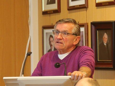 Magne Kjerpeseth (Sp) ber politikarane i Bremanger formannskap om å sende frå seg eit vedtak som får Fylkesmannen si godkjenning ved neste behandlingsrunde.
