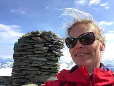 DIGITAL: Jannike Brenden Frøyen vil heller gå i fjellet enn å sitte og plotte inn informasjon i eit excel-ark. Det får ho sjansen til no.