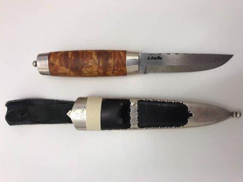 KVEN SAKNAR DENNE? Politiet leiter no etter eigaren av denne kostbare bunadskniven.