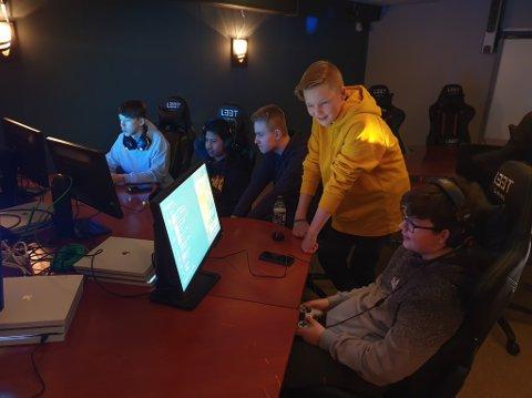 GAMING: Gamerane i Operation Archery i Skavøypollen er allereie på plass. Snart får dei medspelarar frå Søndre Kinn.