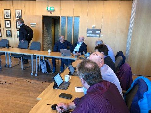 Det blir ein gild dag i Bremanger kommunestyre- med kamp om habilitet i skulesaka på Kolset.