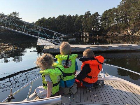 ÅLVORA: Fleire har teke turen til den flotte uthamna på Ålvora i Florø desse fine dagane.