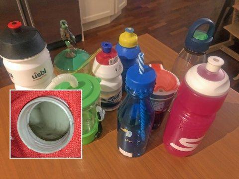 REINE? Det blir fort store mengder bakteriar på drikkeflaskene, om du ikkje reingjer dei godt. Om dei blir ståande lenge med vatn i kan det også danne seg eit svart lag.