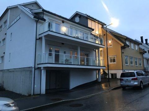 AVGIFTSAUKE: Sameige som dette i Hans Blomsgate har fått ei stor auke i dei kommunale avgiftene etter overgangen til Kinn kommune.