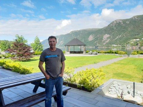 VIL UTVIKLE: Hotelleigar Jostein Eimhjellen legg stein på stein i hotellsatsinga og elles eigedomsmarknaden.