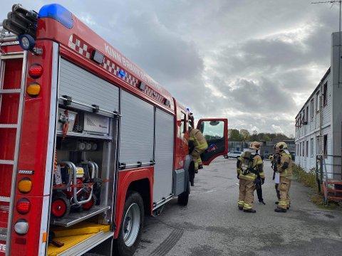 Brannvesenet på Westcon Florø i forbindelse med at ein brannalarm blei utløyst.