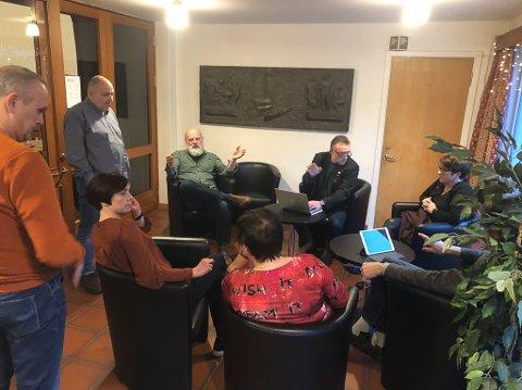 VINDKRAFTDEBATT: Gruppemøte mellom SV, Venstre og Ap i vindkraftsaka. Truleg kjem saka på sakskartet i april igjen.