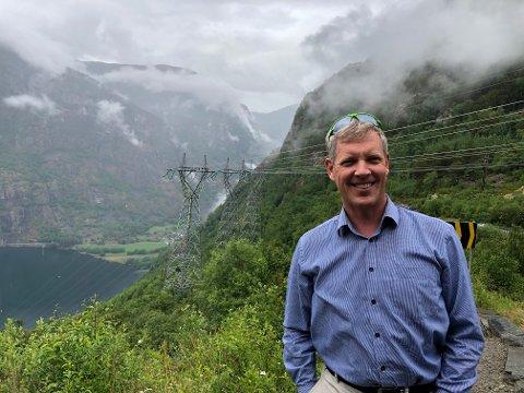 BYTER BEITE: No tek Ole Schanke Eikum steget frå den offentleg eigde elektrisitetsbransjen og Statkraft, med tidlegare fartstid i SFE, til den privat eigde oljebransjen og Fjord Base Holding i INC-konsernet.