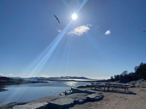 STRÅLANDE: Denne helga kjem det sol og varme til Florø.