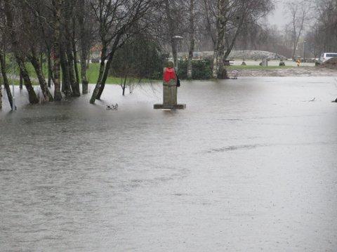 Du veit det er vått, når Torsheimen badar.