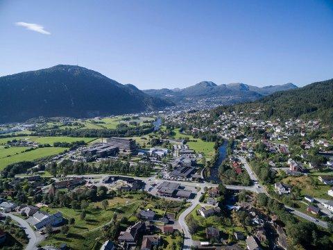 VEKS: Prisnivået på leilegheiter i Førde veks, og er på nivå med Oslo og Bergen.