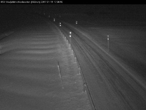 Riksveg 13 over Vikafjellet onsdag like før klokka 18.