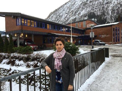 LETTA: Nina Bygstad er letta for at det ikkje kom mange positive koronaprøver etter at ein elev testa positivt søndag kveld.