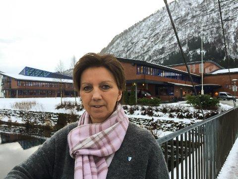 ALLE HAR ANSVAR: – Det hjelp ikkje med all verdas tiltak, om ikkje medelevar seier frå, seier Nina Bygstad,  rektor ved Hafstad vidaregåande skule.