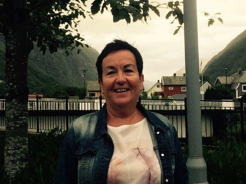 TENKJER NYTT: Nav-leiar i Høyanger og Balestrand, Anne Tove Nyheim, søker etter erfaringskonsulentar. Dei skal bruke personlege erfaringar frå å ha gått på Nav, til å hjelpe andre som er i same situasjon i dag.