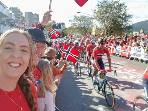FEST: Terje Steinar Vallestad og dottera Trude Anette Vallestad på sykkel-VM i Bergen.