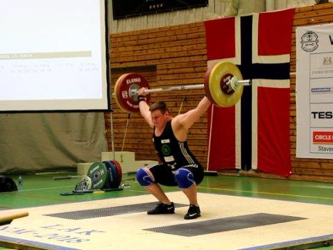 SØLV: Ragnar Holme tok sølv i klasse 105 kilo pluss.