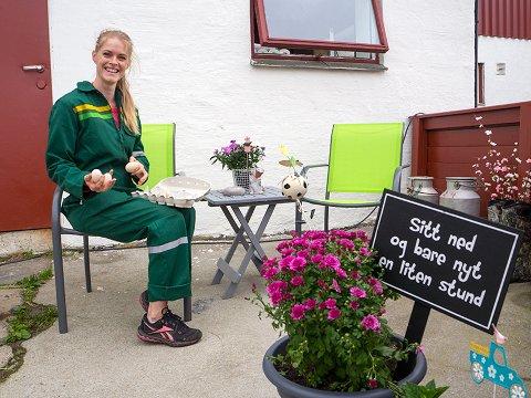 SKAL FEIRE: Søndag 17. juni inviterer Tonje Terøy til open familiedag på Soldalen Besøksgard i Florø.