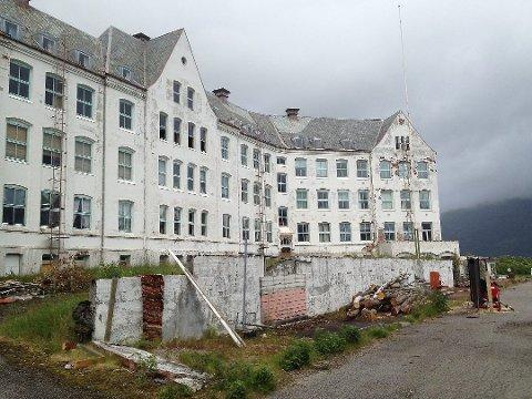 FÅR PENGAR: Luster sanatorium vart bygd som sjukehus på grunn av den store utbreiinga av tuberkulose, og hovudbygningen stod ferdig i 1902.