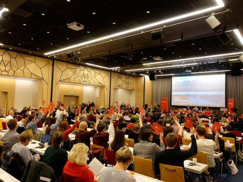 SPENNING: Spenninga har vore stor i forkant av Vestland Arbeiderparti sitt stiftingsmøte. Resultatet viste at 50 av 151 stemte for konsekvensutreiing.