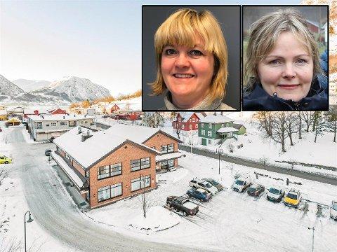 UT FOR SAL: Siv Hege Helgheim (t.v) og søstera Åse Marie Helgheim Thingnes eig det gamle bankbygget. No vil dei selje.