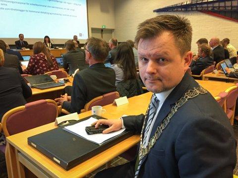 DYSTER BODSKAP: – Vi er lurte av fagre ord og løfte, sa Jon Håkon Odd (Ap) til fylkestinget.