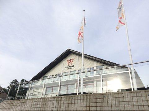 VIL SELJE: Eigarane av Gulating hotel i Eivindvik ser etter nye drivarar.