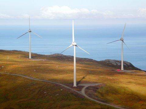 AVGJERANDE: Storstilt utbygging av fornbyar energi, inkludert vindkraft, er avgjerande om dei globale utsleppa av klimagassar skal reduserast. Bildet er frå Mehuken i Vågsøy.