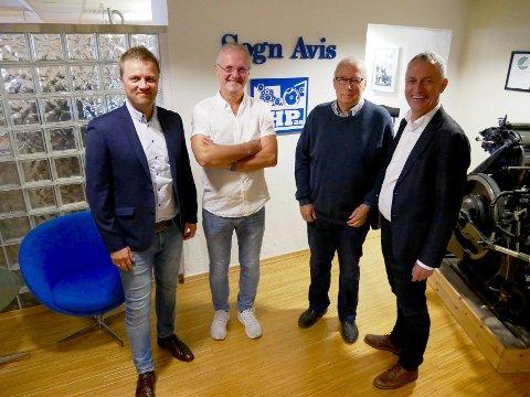 NY EIGAR: Svein Atle Huus, regiondirektør i Amedia, Ingvald Husabø, eigar, Per Jarle Lunde, eigar og Are Stokstad, konsernsjef i Amedia.