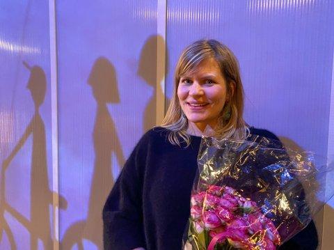 """NØGD: Regissør Miriam Prestøy Lie rett etter avslutta premiere på teaterførestillinga """"Tordivelen flyg i skumringa""""."""