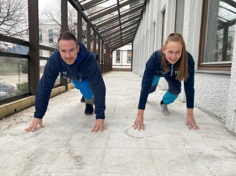 SPRINT: Her skal den nye sprintbana til Spenst Førde ligge. Ingvild Lien (35) og Kent Roger Engdal (40) tester ho ut to veker før bana skal vere ferdig.