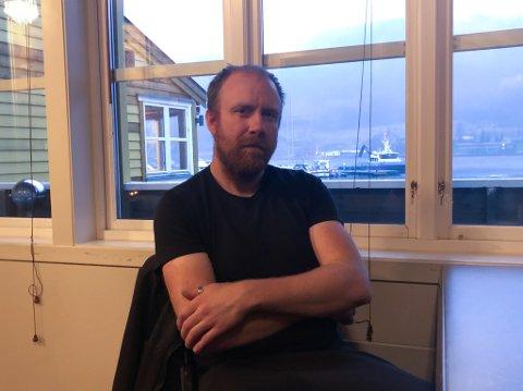 TILSETT: Endre Risnes (34) jobbar som utrustingsarbeidar på Havyard-verftet i Leirvik. I tillegg sit han i styret til Fellesforbundet, som er eit av fire fagforbund på arbeidsplassen.