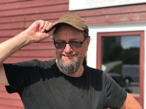 JUBILANT: Arne Schei blei 60 år gamal førre helg. Gåven til seg sjølv er å spele inn plate med musikk han har laga sjølv.