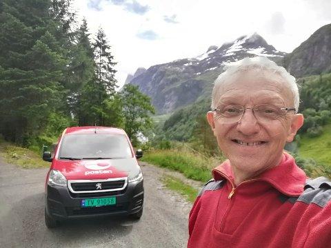 Jarl Audun Rivedal (64) har sett stor pris på å møte kjekke menneske ute på køyrerutene.