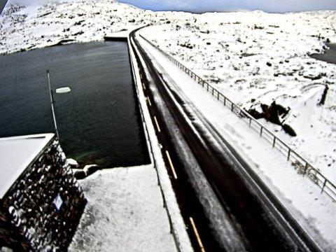 KALDT: Slik såg fv. 55 Sognefjellet ut søndag 13 september
