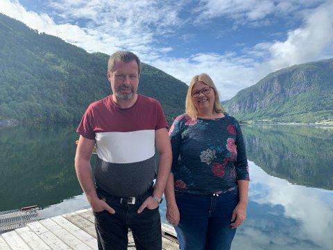 BYGDE NYTT: Frode og Bente Lindborg kunne flytta inn i det nye huset på Lindborg etter knappe fire månader.