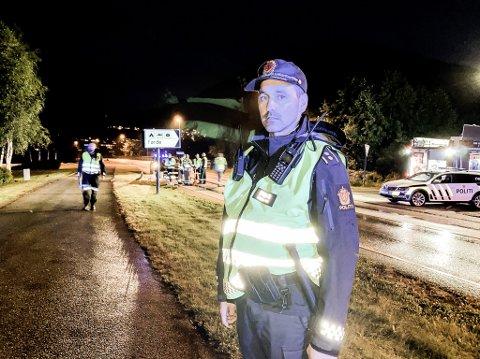 KRONBORGVEGEN: Ulykka skjedde her på Kronborgvegen, midt mellom Biltema og Førde camping, seier innsatsleiar Joachim Malterud.