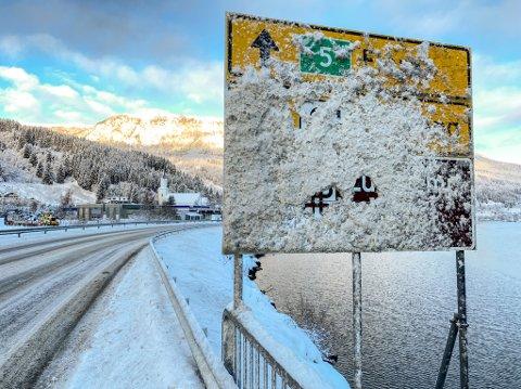 SNØKAOS: Var brøytinga måndag god nok, når det var seks trafikkulykker på glatta på nokre få morgontimer, eller var det rett og slett for store snømengder som kom?