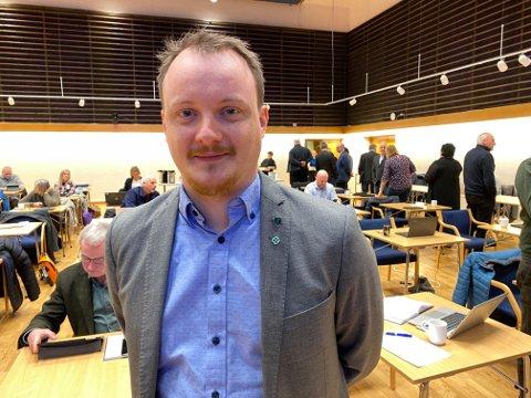 VEKK MED PRIVATE BARNAHAGAR: Sp-politikar Erlend H. Herstad vil at Sunnfjord kommune skal kvitte seg med dei private barnehagane for å få eit betre kommunalt tilbod på sikt.
