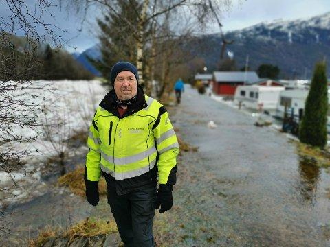 PÅ STADEN: Brann- og beredskapssjef Runar Kleppe i Gloppen kommune er ved Reed Camping.