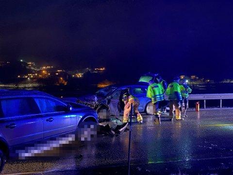 SIKTA: Sjåføren av den eine bilen, ein mann i 40- åra, er sikta etter frontkollisjonen fredag kveld.