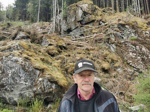 BEKYMRA: Hammaren bak Magn Ove Ulltang ser ut til å kunne rase ut når som helst.