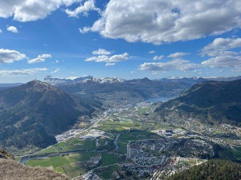 FINVÊR: Til helga blir vêret gradvis betre skal vi tru meteorologen. Kanskje kjem du deg på fjellet?