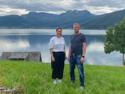 MODULHYTTE: Her vil Elisabeth og Roger Sunde Andenæs setje opp modulhytter.
