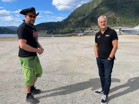 DUO: Simon Vie og Tore Fossen, her utan pallegaffel, er om få dagar klare til å lage gaffeltrøkk-stemning på Øyrane.